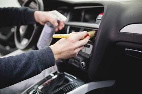 Dienstleistung Fahrzeuginnenraumpflege